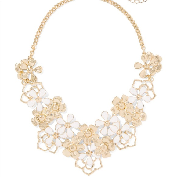 Jewelry two leftgold white flower statement necklace poshmark m5b2d7893c6177756e0f586ea mightylinksfo